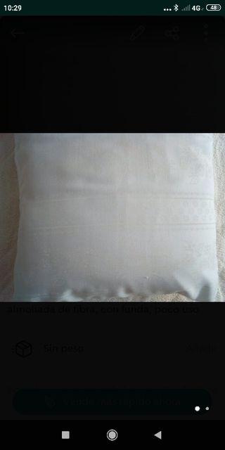 dos almohadas de 90cm.