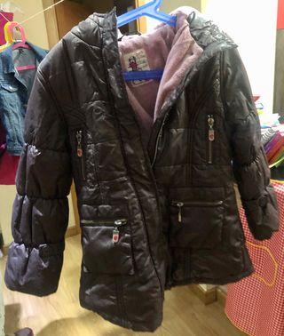 Abrigo de invierno talla 6 niña marrón