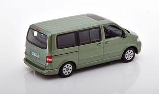 Minichamps 1:43 VW T5 Multivan verde metálico
