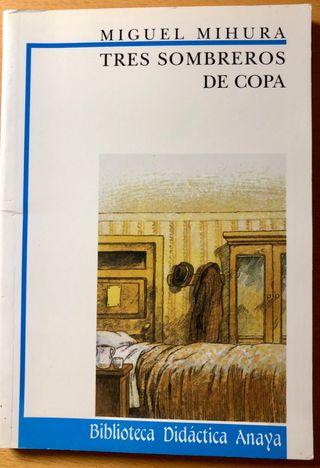 Libro juvenil TRES SOMBREROS DE COPA