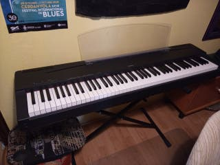 Piano electrónico Yamaha P70