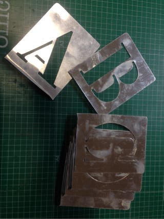 Letras aluminio stencil