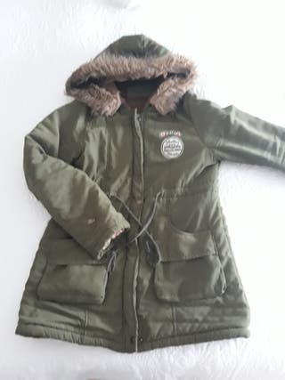 Abrigo con capucha chica.talla M