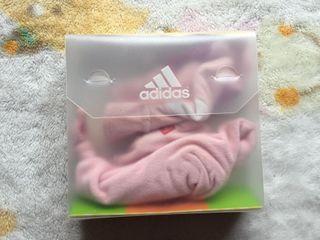 gorro guantes Adidas. sin estrenar