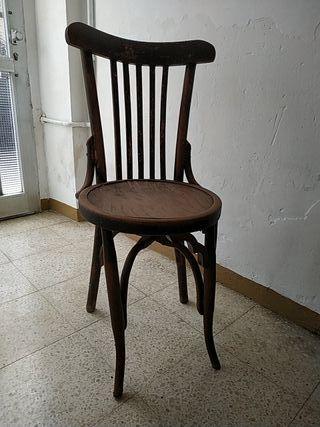 silla antigua de madera
