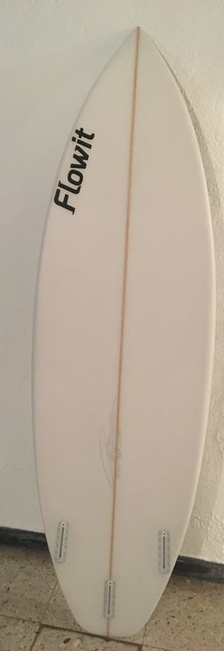 Tabla de surf Flowit (Ombak) 5,11x19 A ESTRENAR