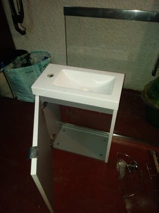 pica de baño con mueble + mampara