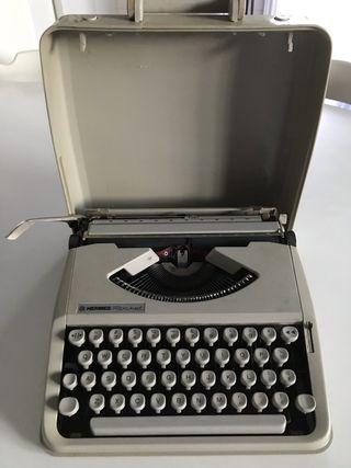 """Máquina de escribir """"Hermes Rocket"""" años 70"""
