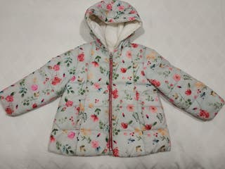 Abrigo niña reversible de Zara