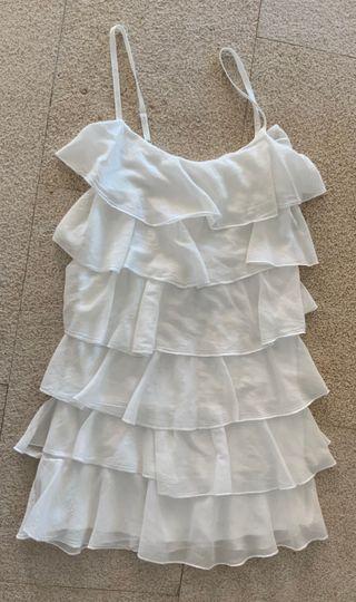 jolie robe blanche à volants et bretelles T. 34-36