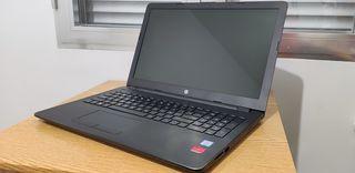 Portátil HP i3 6006U 8GB AMD R5 M330 2GB Dedicada