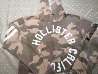 Camiseta con capucha Hollister