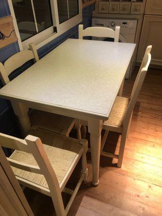 Conjunto de mesa y sillas de cocina