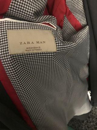 Traje de Zara