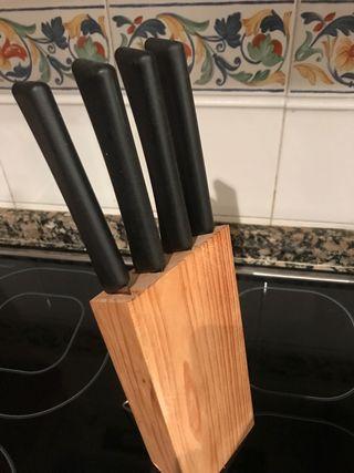 Mazo con 4 cuchillos