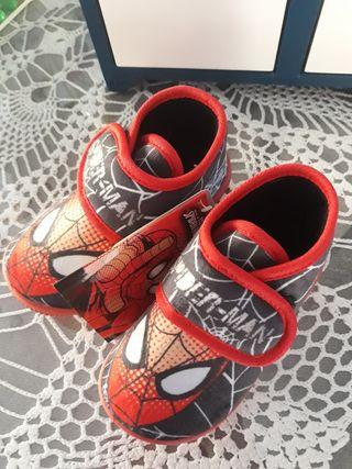 Zapatillas de casa de Spiderman