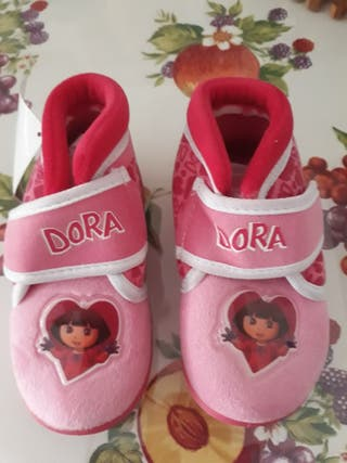 Zapatillas de casa de Dora