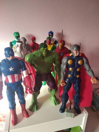 Figuras Marvel y Power Ranger