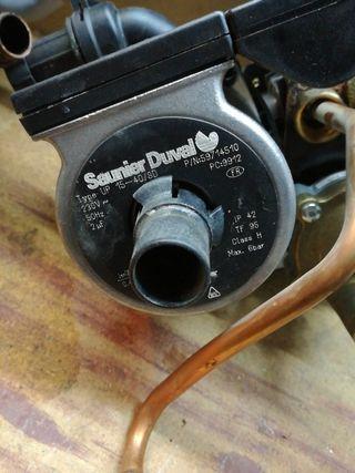 bomba de agua caldera saunier duval combitek f23