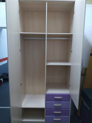 Dormitorio juvenil cama nido, escritorio y armario
