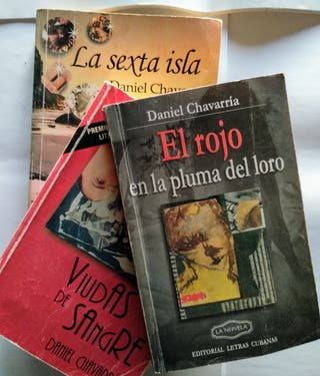 LOTE 3 NOVELAS DE DANIEL CHAVARRÍA