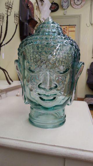 Cabeza de buda de cristal