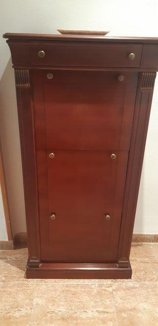 Mueble zapatero de madera maciza