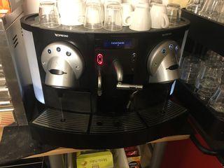 Cafetera nespresso profesional y regalo otra