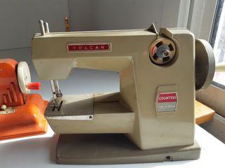 Maquinas de coser de juguete antiguos