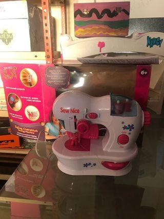 Maquina de coser de juguete
