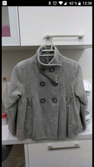 Abrigo corto gris 4/5 años Zara