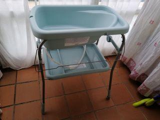 bañera con mueble bebé
