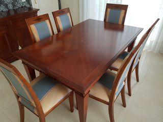 Mesa de comedor clásico con 6 sillas