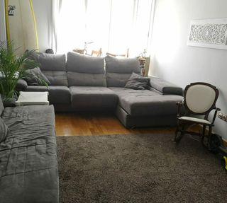 Sofa 3 plazas gris chaise longue, arcon y puffs