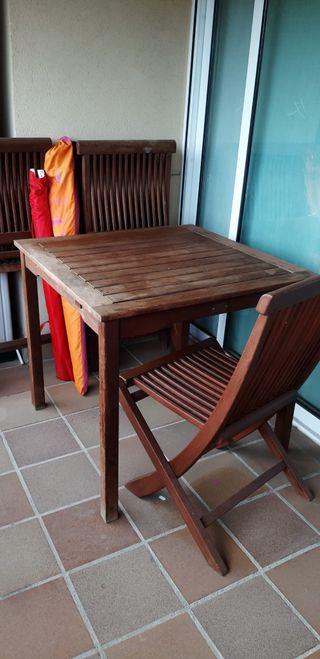 Mesa jardín y sillas