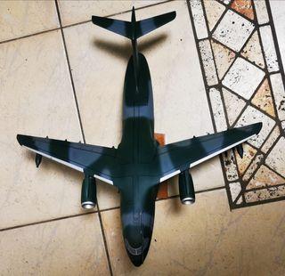 maqueta avión militar