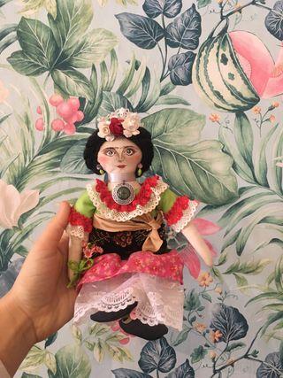 Muñeca Frida Khalo