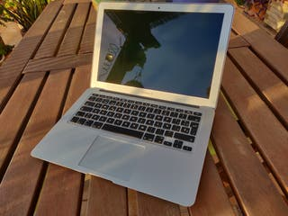 """Apple Macbook Air 13"""" 2015 Impecable!"""