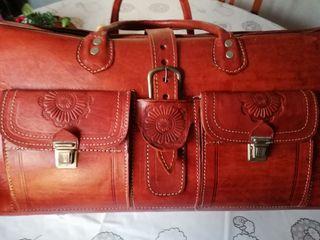 maleta baul piel vintage esta muy nueva