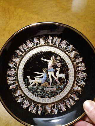 Plato decorativo griego
