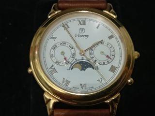 Reloj suizo antiguo