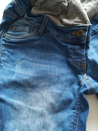Pantalón vaquero premamá embarazada