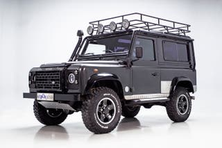 LAND ROVER DEFENDER 90 TOMB RAIDER