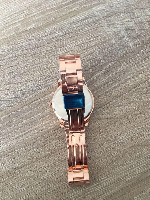 Reloj Quartz de mujer nuevo