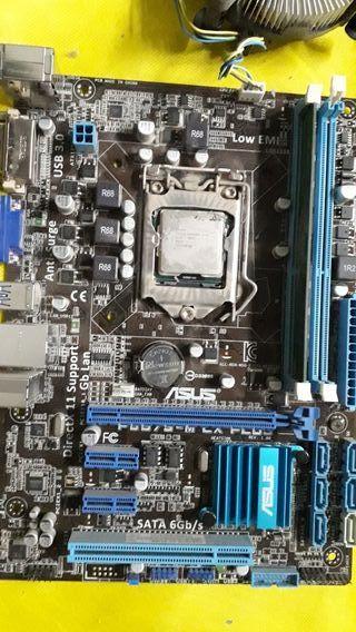 placa base intel con procesador 3.0 Ghz y memoria