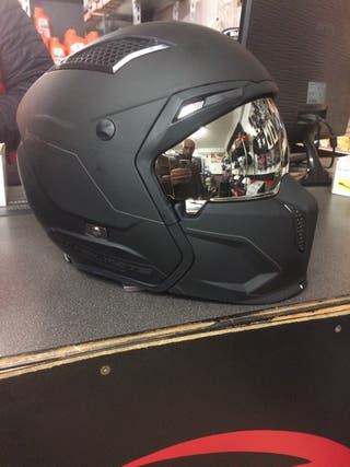 CASCO INTEGRAL STREETFIGHTER SV SOLID A1