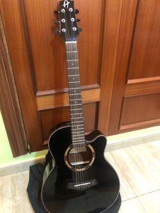 Guitarra acústica amplificada nueva