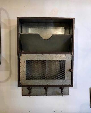 Mueble Revistero Perchero metálico