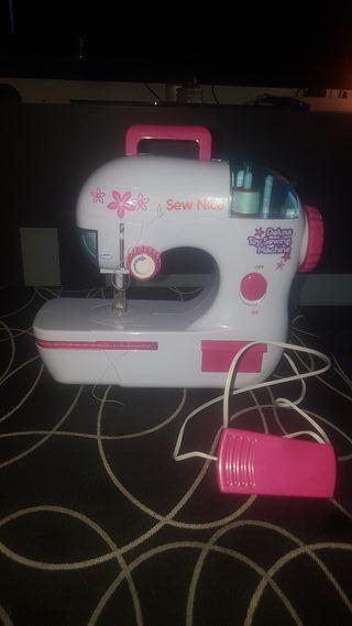 Maquina coser de juguete