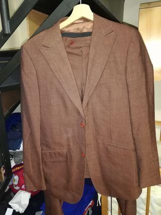 traje chaqueta y pantalón formula joven